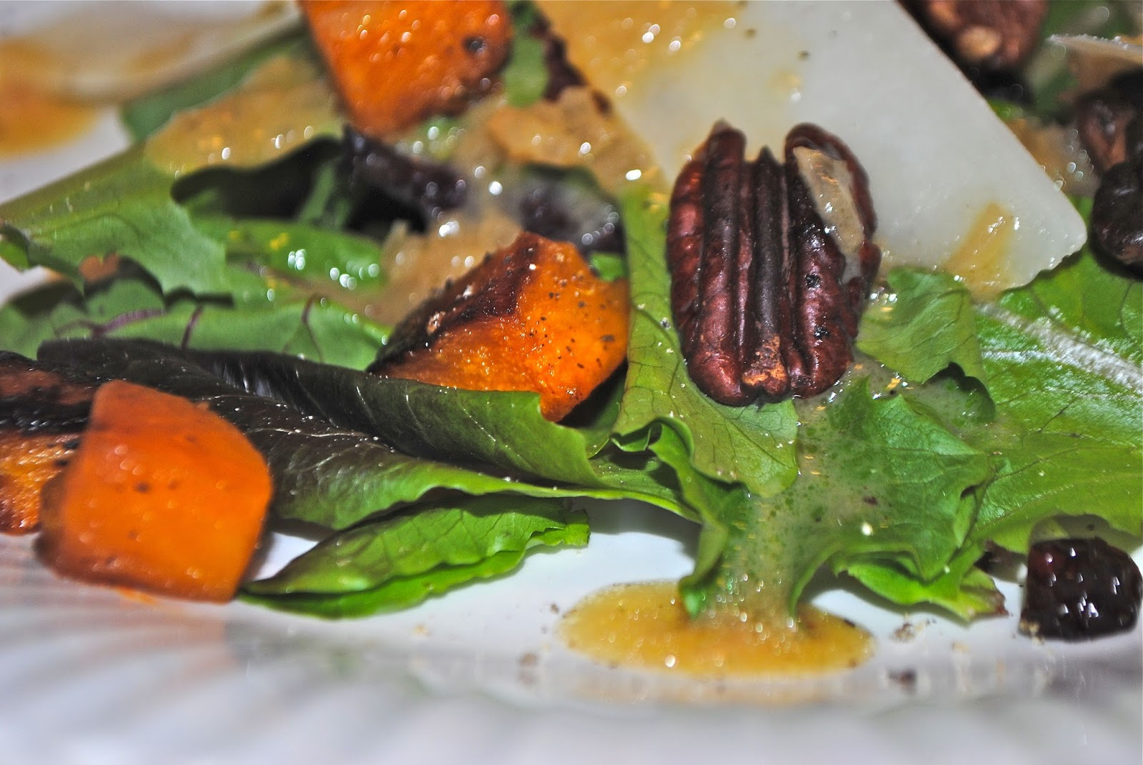 BABY GREENS AND PEACH SALAD WITH CREAMY CHIVE VINAIGRETTE ...