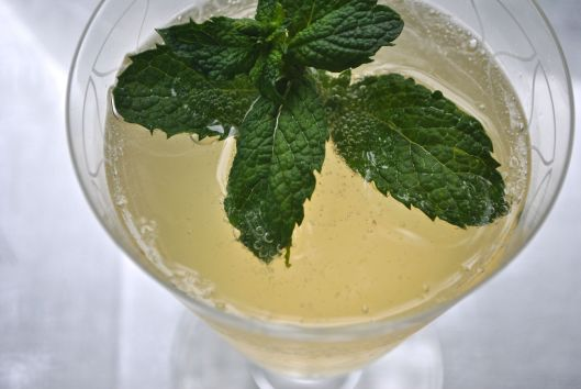mint champagne shrub