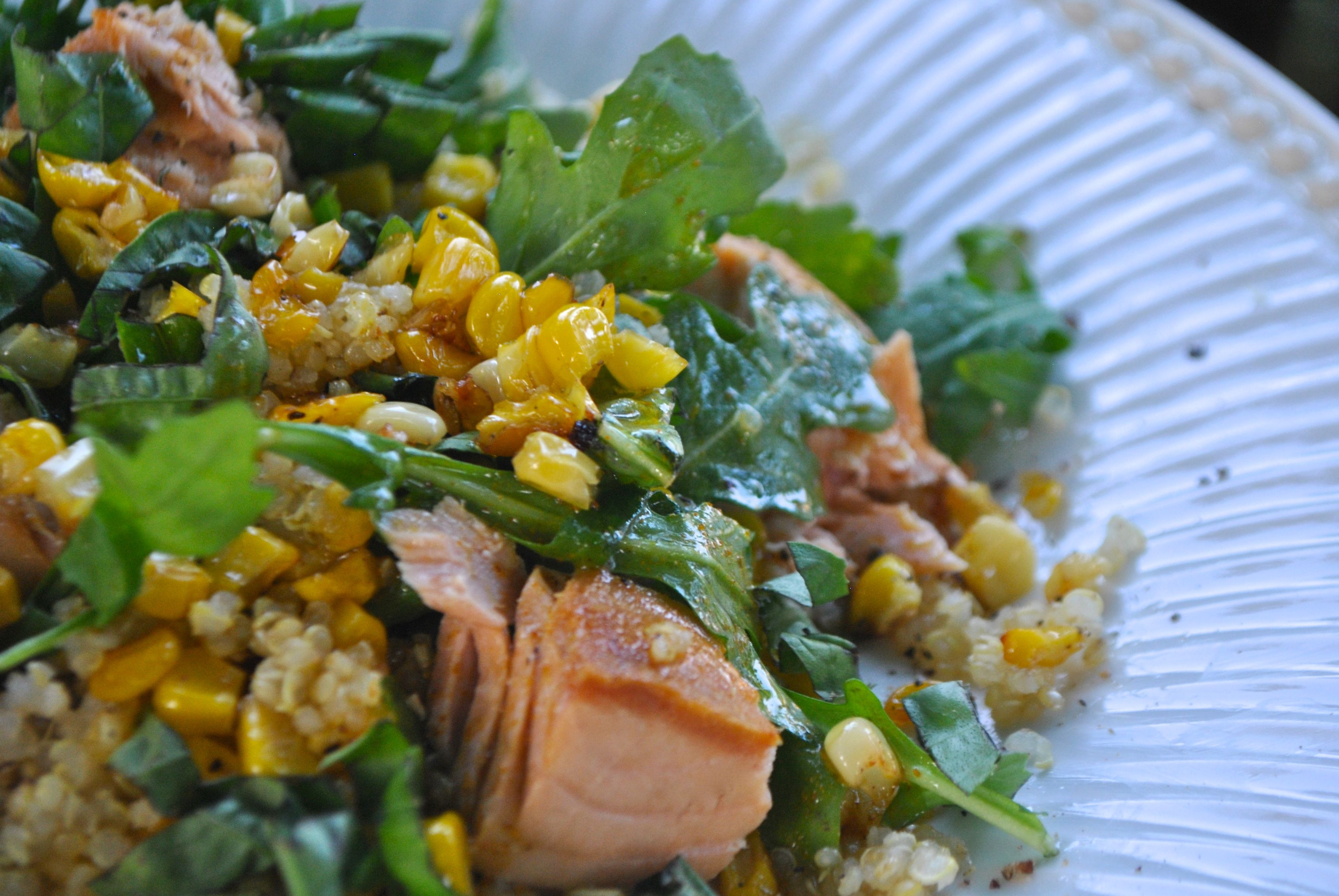 QUINOA AND SALMON SALAD WITH ARUGULA