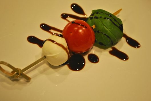 caprese appetizer with balsamic