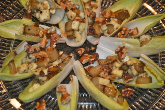 endive with pears blue cheese and walnuts