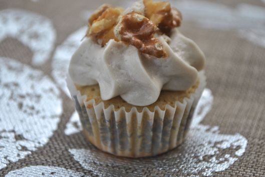 maple walnut mini cupcakes