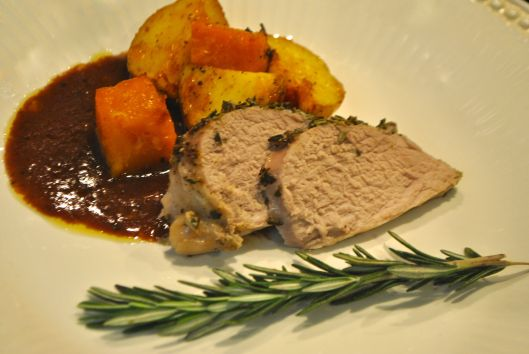 rosemary and garlic crusted pork tenderloin