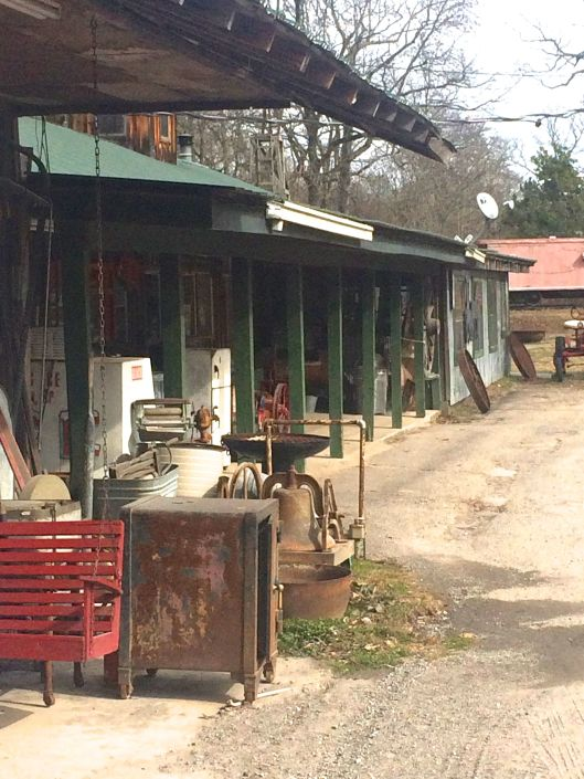 burls country smokehouse