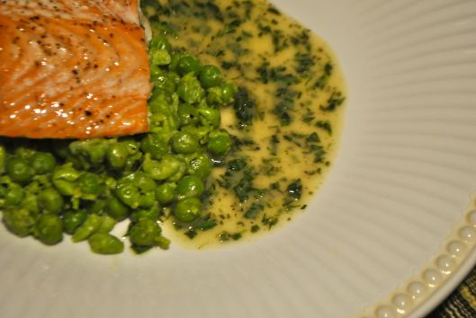 salmon with mashed peas and tarragon buter