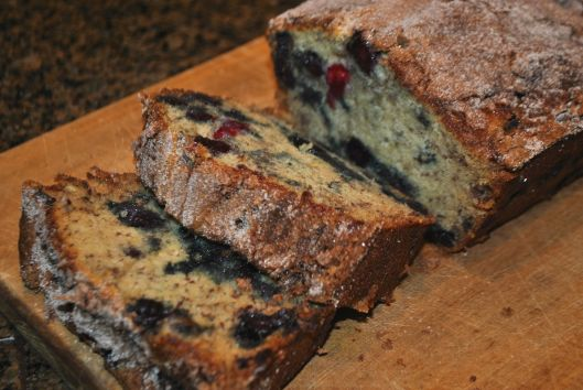 cinnamon sugar blueberry banana bread