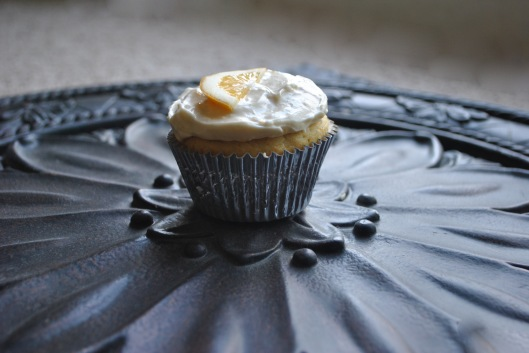 lemon riotta cupcake