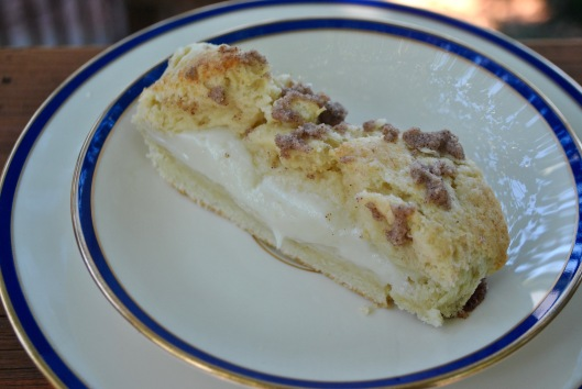 cream cheese cinnamon coffee cake