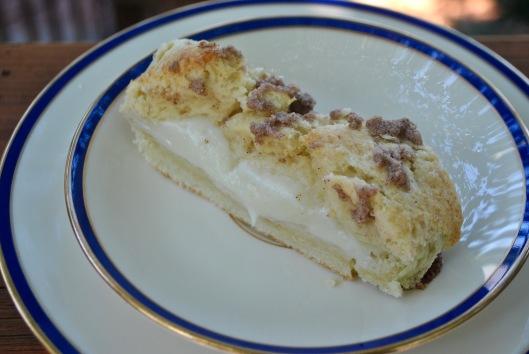 cream cheese cinnamon coffee cake