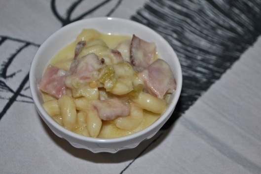 pasta and cheese with ham