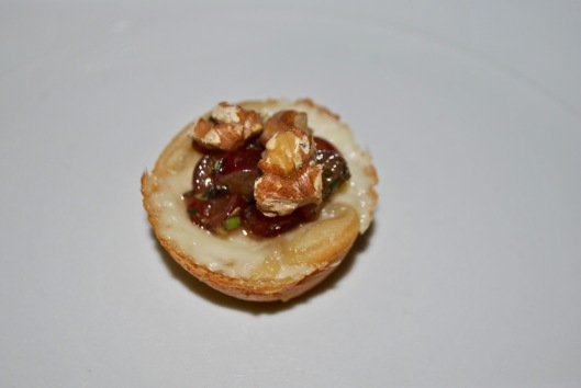 brie tartlet with grape relish