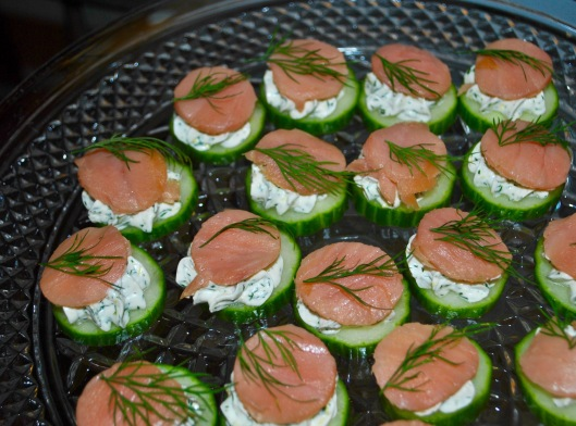 cucumber with dill cream and smoked salmon