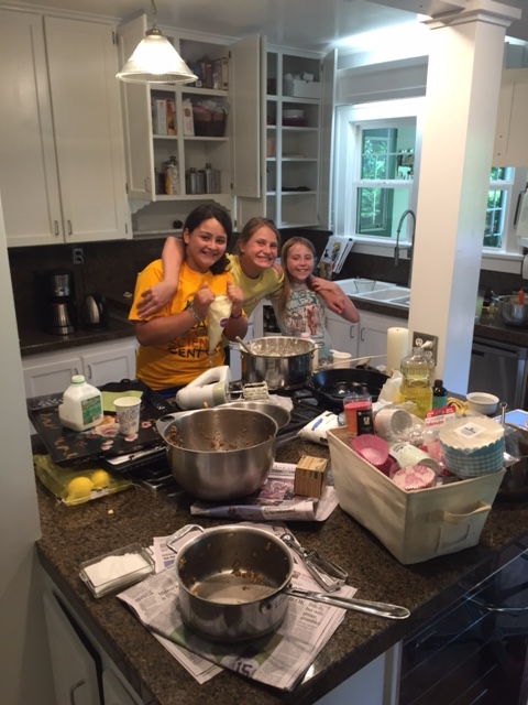 the girls preparing for their bake sale